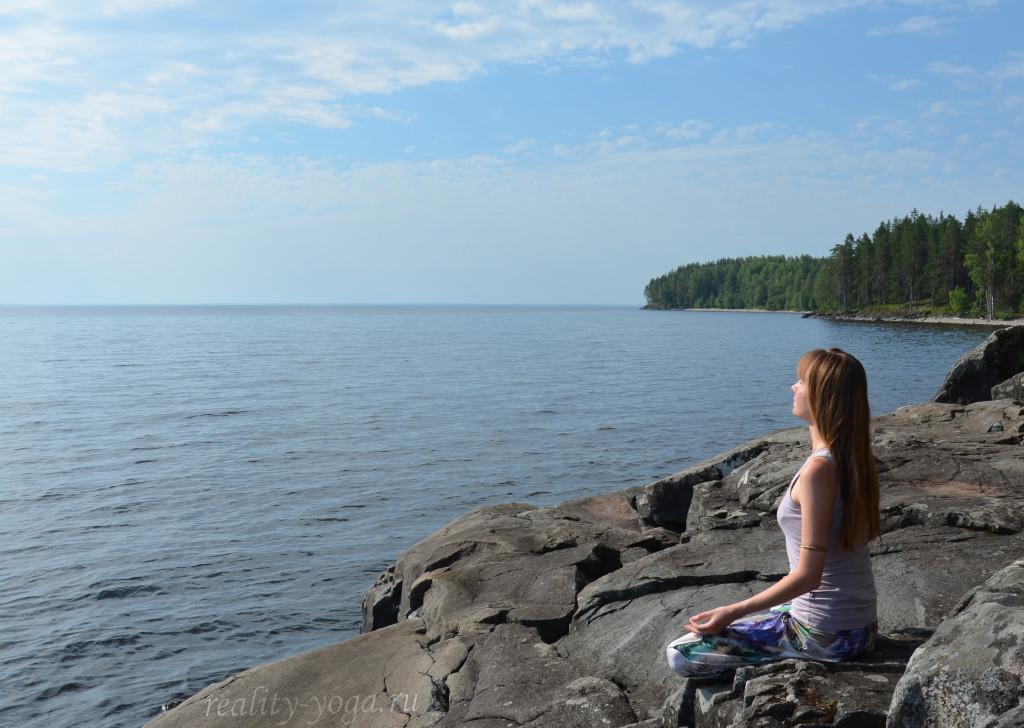 Патанджали медитация озеро йога спокойствие внутренняя радость Дхьяна